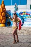 Девушка на торжестве города Стоковое Изображение