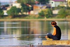 девушка рыболовства Стоковые Изображения