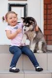 девушка собаки Стоковое Фото