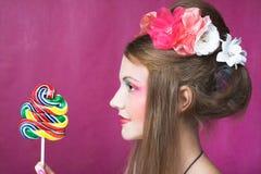 Девушка с леденцом на палочке Стоковые Изображения RF