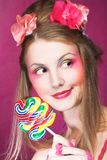 Девушка с леденцом на палочке Стоковое Изображение RF