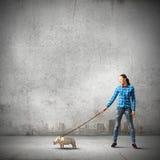 Девушка с кенгуру Стоковые Изображения RF