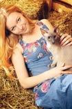 Девушка с котом Стоковые Фотографии RF