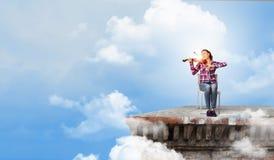 Девушка с скрипкой Стоковое фото RF