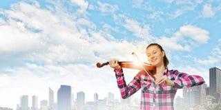 Девушка с скрипкой Стоковые Изображения RF
