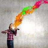 Девушка с скрипкой Стоковые Изображения