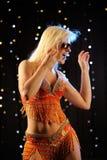 девушка танцы сексуальная Стоковое Изображение