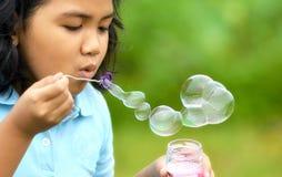 девушка 02 пузырей Стоковые Изображения