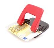 Деньги евро 200 в блоке дырокола. Принципиальная схема банка. Стоковые Изображения RF