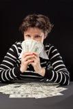 деньги девушки счастливые Стоковое фото RF
