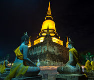 День Visakha Bucha в вероисповедании буддизма на виске Стоковое Фото