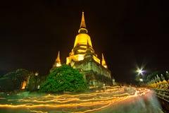 День Visakha Bucha в вероисповедании буддизма на виске Стоковая Фотография