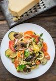 Деревенские свежие овощи и макаронные изделия Стоковые Изображения RF