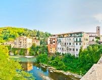 Деревня Castelnovo Garfagnana известная в Тоскане, Италии Стоковые Фотографии RF