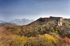 Деревья осени Великой Китайской Стены CN Стоковое фото RF