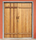 Деревянная закрытая дверь Стоковое Фото