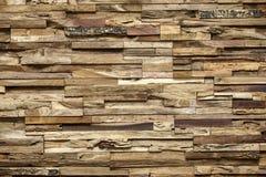 Деревянная крытая стена с сбросом Стоковые Фотографии RF