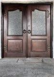 деревянное двери переднее Стоковые Изображения