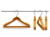 Деревянные вешалки одежд Стоковые Изображения RF