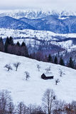 Деревянный амбар в горах Стоковые Фотографии RF