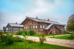Деревянный загородный дом Стоковое Фото