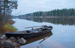Деревянный rowboat Стоковые Фотографии RF