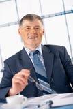 держать стекел старейшини бизнесмена Стоковое Изображение RF
