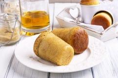Десерт ромовой бабы Стоковое Изображение