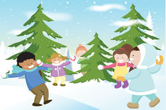 дети играя snowballs Стоковая Фотография RF