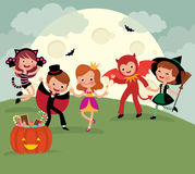 Дети на партии ночи хеллоуина Стоковые Изображения RF