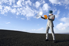 Деловые поездки будущего с спутниковой связью таблетки Стоковое Изображение RF