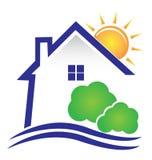 Дизайн солнца и кустов дома Стоковое Фото