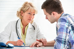 Доктор и пациент Стоковое Фото