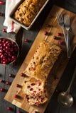 Домодельный праздничный хлеб клюквы Стоковая Фотография RF