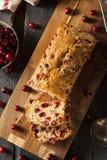 Домодельный праздничный хлеб клюквы Стоковое Изображение