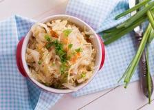 Домодельный sauerkraut Стоковые Фотографии RF