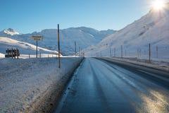 Дорога в горных вершинах Стоковая Фотография RF