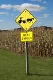 дорожный знак лошади фермы amish нарисованный багги Стоковые Фотографии RF