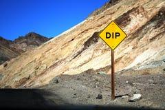 дорожный знак dip Стоковая Фотография RF
