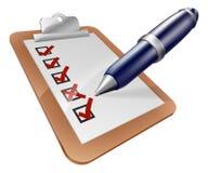 Доска сзажимом для бумаги и ручка обзора Стоковые Фото
