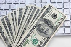 Долларовые банкноты США 100 Стоковые Изображения RF