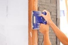 Древесина отрезка плотника для конструкции дома Стоковая Фотография RF