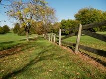древесина путя загородки гуляя Стоковые Изображения