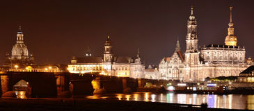 Дрезден, Саксония, Германия на ноче Стоковые Изображения