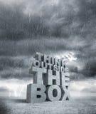 Думайте вне коробки Стоковые Изображения