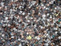 水下的硬币 库存图片