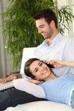 购买权couplemaking的电话 库存图片