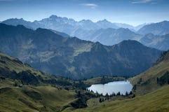 巴伐利亚湖山 免版税库存照片