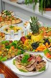 宴会富有地服务的表 免版税库存图片