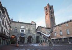 贝加莫-广场Vecchia在冬天 免版税图库摄影